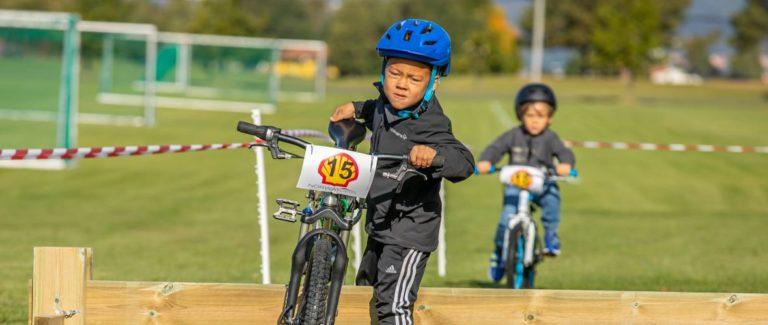 Sykkelkrosspremiere for Frøy og Marcus